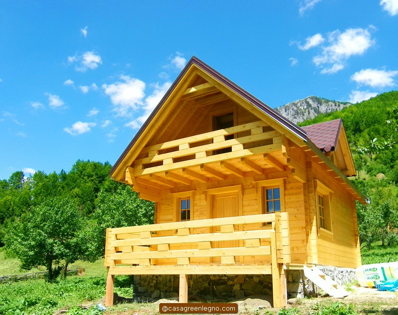 Casa green legnocasa in legno o roulotte chalet da 60 mq for Casa moderna 60 mq