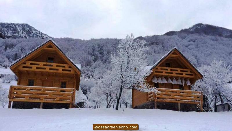 Casa green legnocasa in legno o roulotte chalet da 60 mq for Piani di casa tetto in metallo