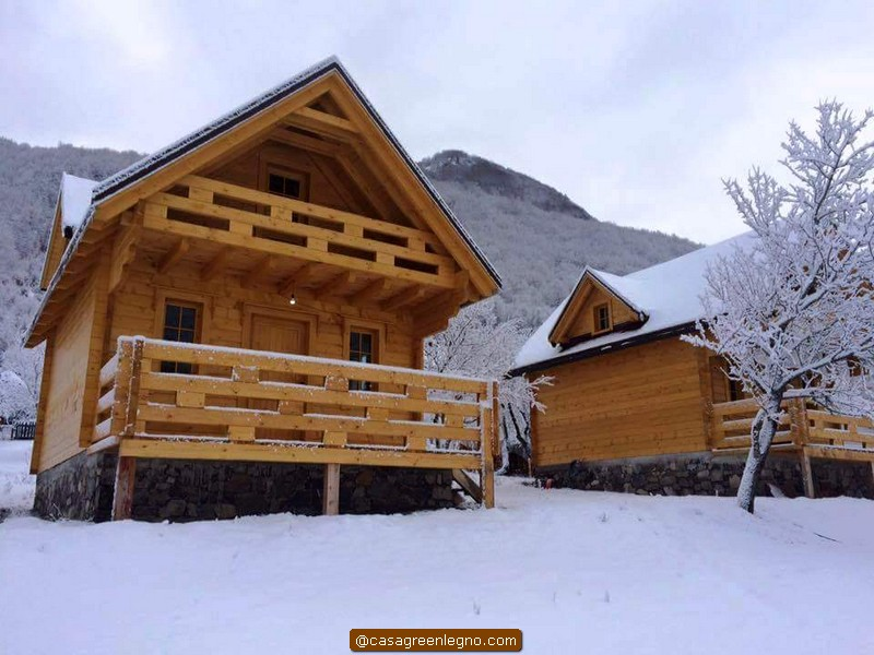 Casa green legnocasa in legno o roulotte chalet da 60 mq for Piani di fattoria con veranda